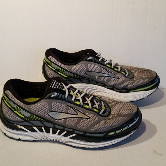 041bb4e36e6 Brooks Other - Brooks Dyad8 men s shoes size 12 4E extra wide